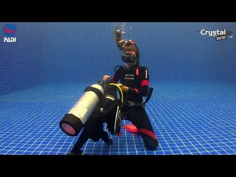 How to Remove and Replace Scuba Unit Underwater PADI IDC Skills
