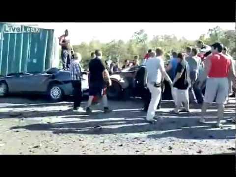 Русские люди приходят на помощь / Russian people come to the rescue