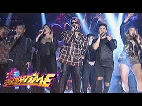 It's Showtime: It's Showtime hosts perform 90's novelty songs