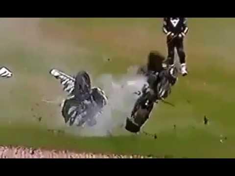 Tai nạn đua xe GP thảm khốc, chiếc xe tan tác không còn gì