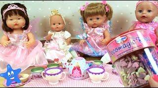 Mis bebés toman el té y cocino mini tartas de verdad Fie...