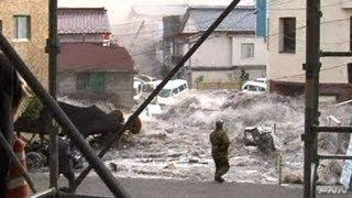 Tsunami in Japan- 釜石市役所付近に押し寄せる津波 【視聴者提供映像】