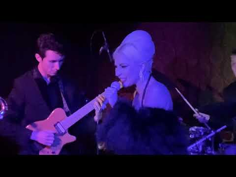 Theresa - Lady Gaga crashes Fred Durst's jazz show