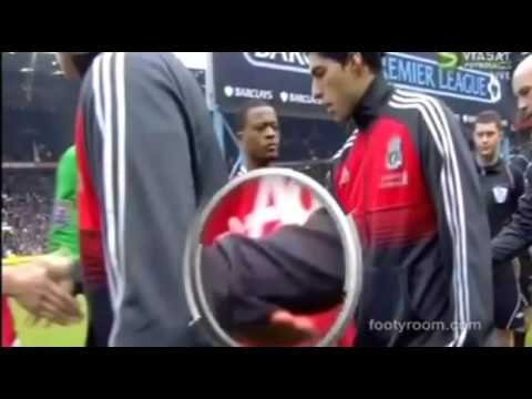Evra (Ferdinand ) vs Luis Suarez incident(handshake)!!!(Manchester United vs Liverpool ) 2012