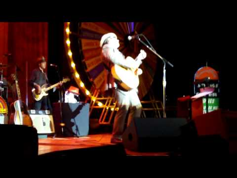Elvis Costello & the Imposters - Spell That You Cast (Nashville 09-25-11)
