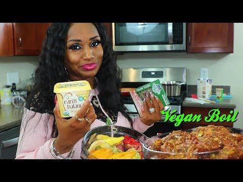 Making Vegan Smackalicious Sauce with Vegan Boil.