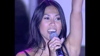 Gambar cover Anggun - Cesse La Pluie + Juste Avant Toi (Live at Open Du Coeur)