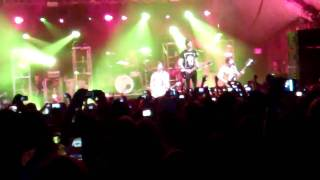 All Time Low - Time Bomb ( LIVE )