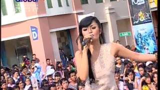 Siti Badriah Live At 100% Ampuh 10-11-2012 Courtesy Global Tv