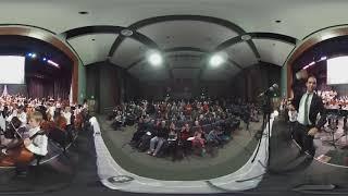 Silas de Oliveira conducting 360 video