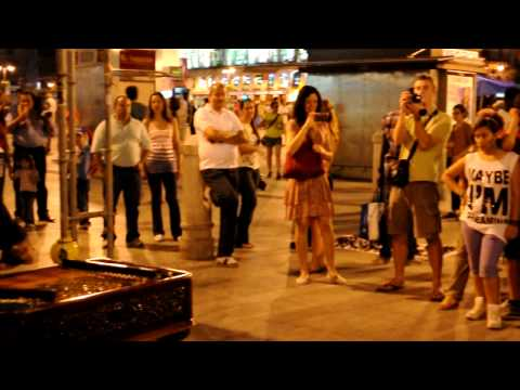 Madrid, girl dancing