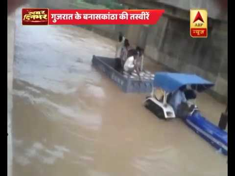 How many homes devastated due to floods in Gujarat