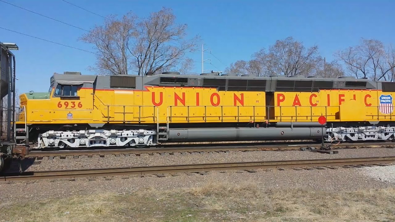 Union Pacific DDA40X Centennial #6936 in Freight Service on the Kansas Sub!  - YouTube
