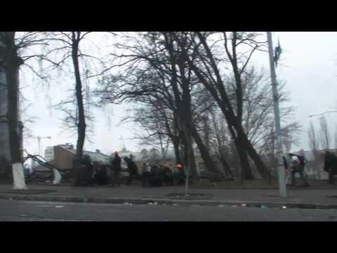Shocking video of Revolution in Ukraine Kiev 20.02.2014