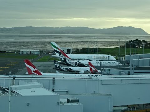 novotel-auckland-airport-hotel,-new-zealand---planespotting