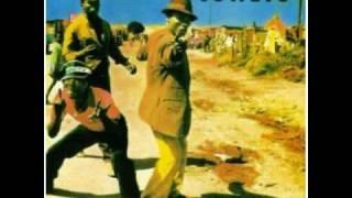 Awungilobolele [Can You Pay Lobola for Me] - Udokotela Shange Namajaha