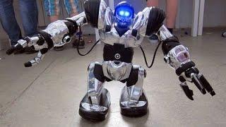 Роботы будущего!!!Новые технологии  2016  HD   未來的機器人(Роботы будущего!!!Выставка новые технологии и разроботки 2016 HD Киев 未來的機器人., 2016-03-11T19:26:02.000Z)