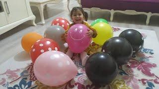 Ebrar iğne ile balonları patlatarak içindeki sürpriz hediyeleri buldu! #balon #balloon #sürpriz