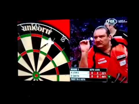 Dennis Smith's Bizarre Darts Throwing Style