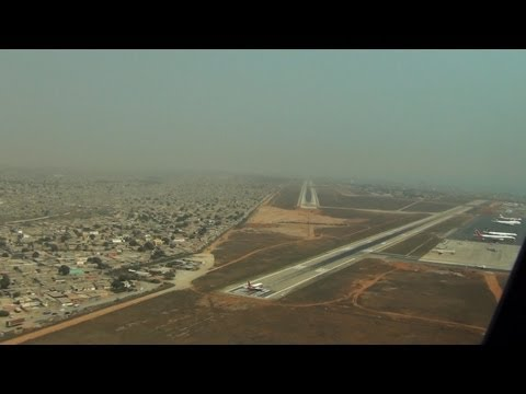 PilotCAM View into Luanda, ANGOLA (777-200LR)
