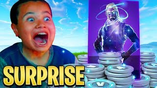 SURPRISING MY 10 YEAR OLD BROTHER WITH THE GALAXY SKIN! FORTNITE BATTLE ROYALE! *HE FREAKED OUT!!!*