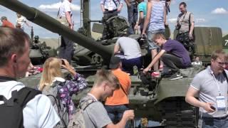 """видео: Panasonic HC-VX870.Международный военно-технический форум """"Армия 2015"""""""