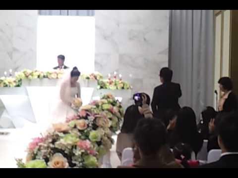 결혼식날 너무 서럽게우는 신랑 ㅋㅋㅋ