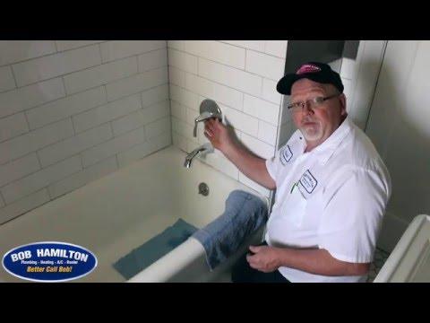 Single handle shower valve