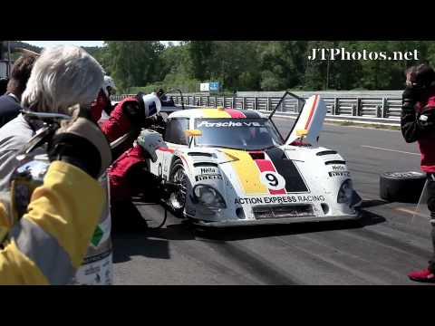 Live race pit stop - Grand Am Series