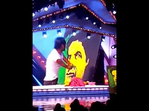 Amitabh Bachchan Live Painting by  Dhaval Khatri without Hand - 2013. IGT- 5