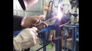 Come Saldare in verticale ad elettrodo Homemade Weld vertically with an electrode
