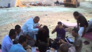New Suez Canal laborers were eating breakfast at Ramadan