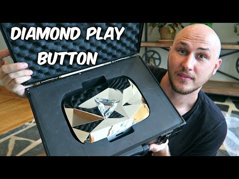 Thumbnail: Diamond Play Button Unboxing