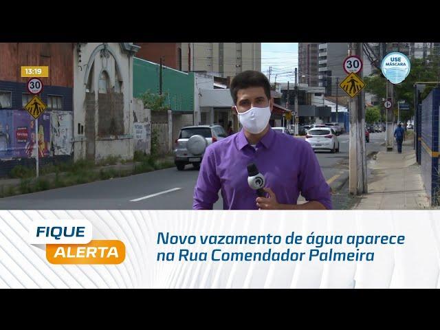 Novo vazamento de água aparece na Rua Comendador Palmeira, bairro do Farol