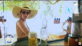 Anca Dinicu, nevoită să facă pe chelnerița în Grecia, la o tavernă