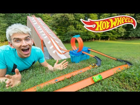 EPIC HOT WHEELS BACKYARD OBSTACLE COURSE RACE TRACK at the SHARER FAM HOUSE!!