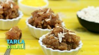 आट क शर (Atta ka Sheera  Quick Gujarati sweet dish)  by Tarla Dalal