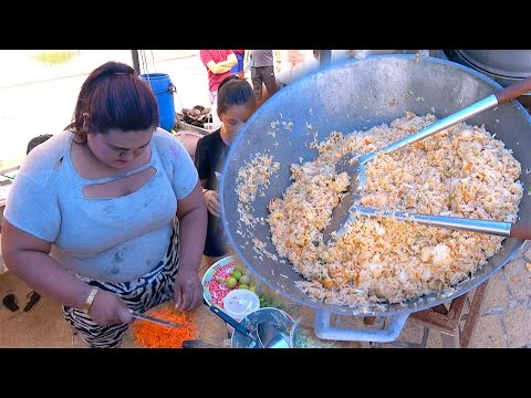 Thumbnail: Huge!! Crab Fried Rice for 50 People | Seafood Street Food with TANYONG