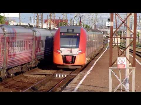 """Прибытие и отправление поезда """"Ласточка-премиум"""" на/со станции Армавир-1."""