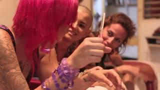 Apache ft Morodo - Ella maneja puro style