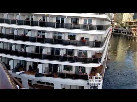 vancouver cruise ships crashed