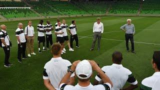 Экскурсия основной команды по новому стадиону