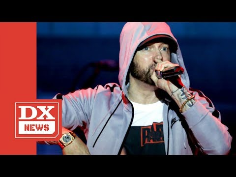 "Eminem Refuses To Perform ""Killshot,"" And Verbally Disses Machine Gun Kelly Instead"