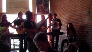 Jason Mraz singing 34 Living in the Moment 34