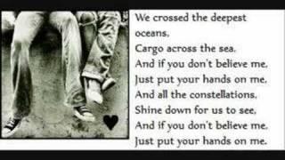 Vanessa Carlton- Hands on me with lyrics