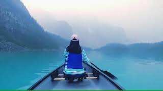 Moraine Lake . Canada ,Banff ทะเลสาป แคนาดา โมรีน เลค น้ำสีฟ้า สวยมาก