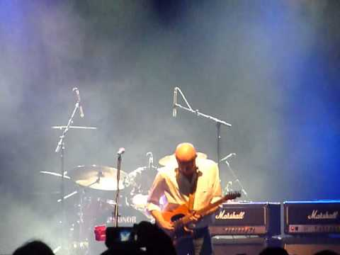 David Wilcox Opening the show at the Sound Academy in Toronto, Aug 23 2013