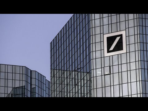 Deutsche Bank Cuts Investment Bank Bonuses by About 30%