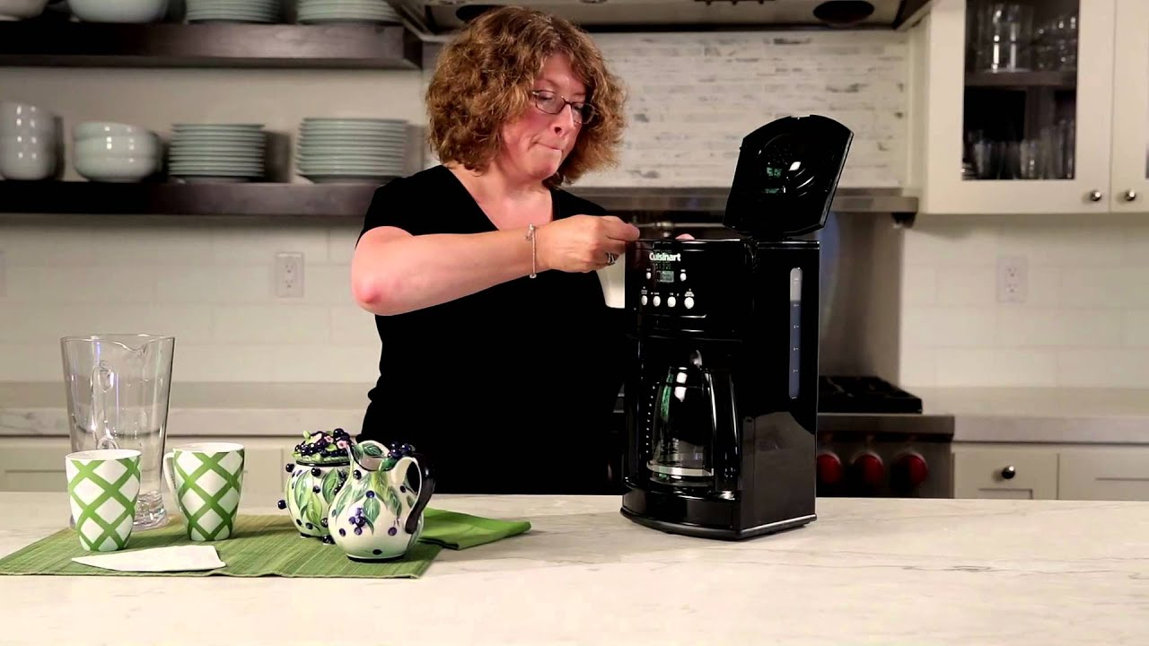 12 Cup Programmable Coffeemaker Dcc 500 Demo Video Youtube