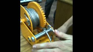 Лебедка LHW(Принцип работы стопорящего механизма., 2012-12-25T06:03:31.000Z)